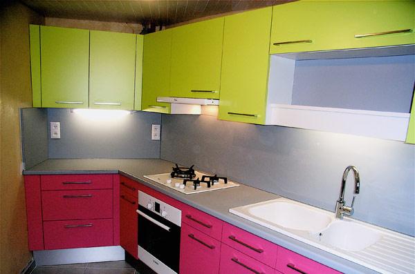 Cuisine verte pomme modle deco cuisine vert pomme meuble for Meuble cuisine vert pomme